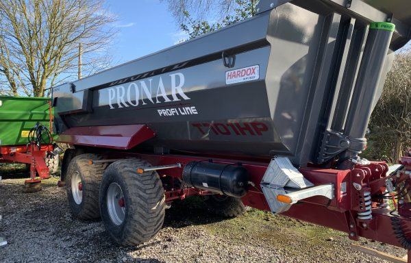 Pronar Dump Trailer T701HP